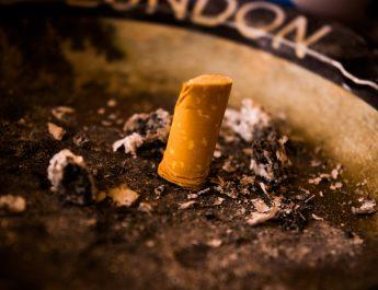 crohn e fumo , sigaretta spenta