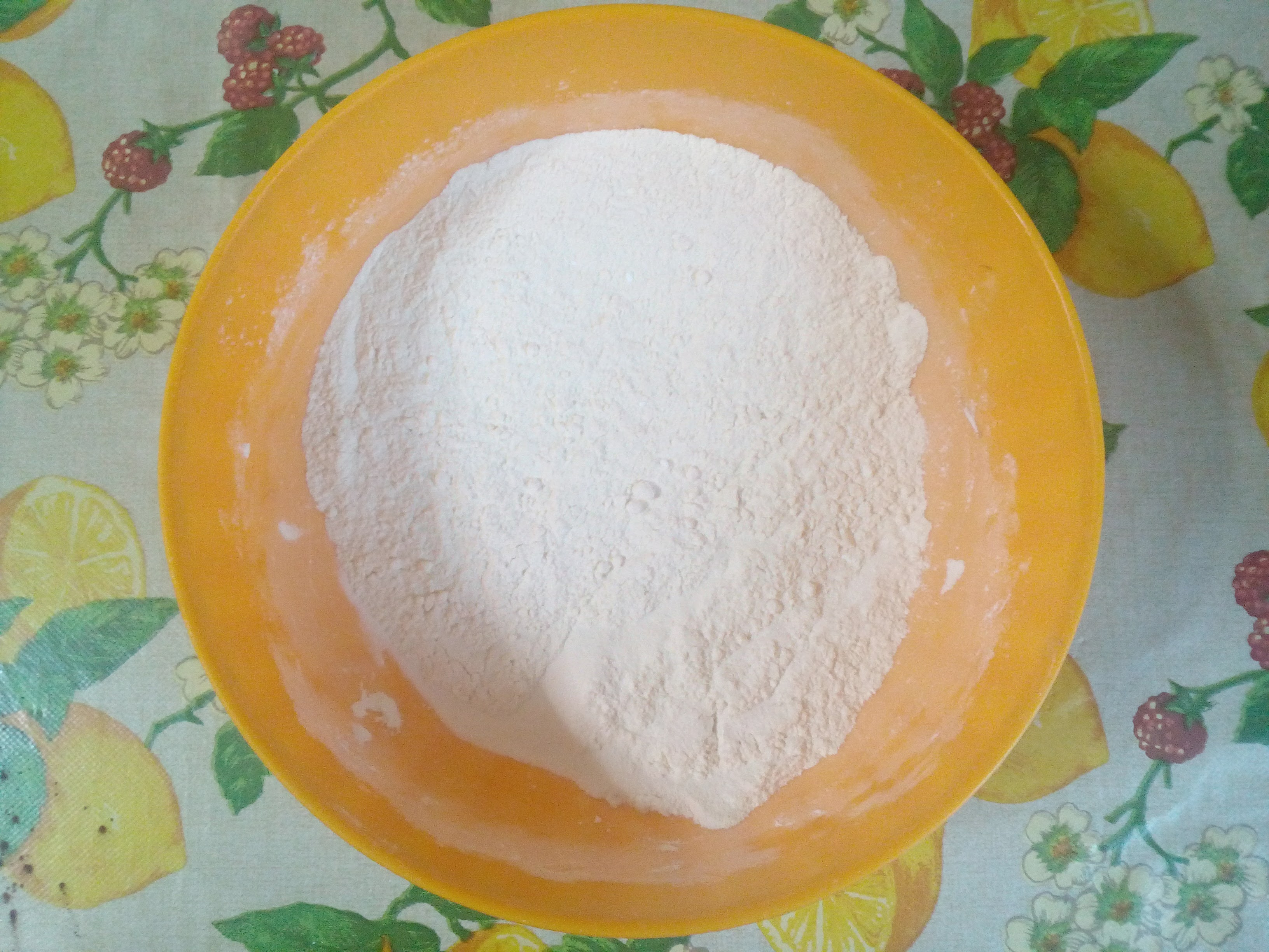farina e lievito setacciati