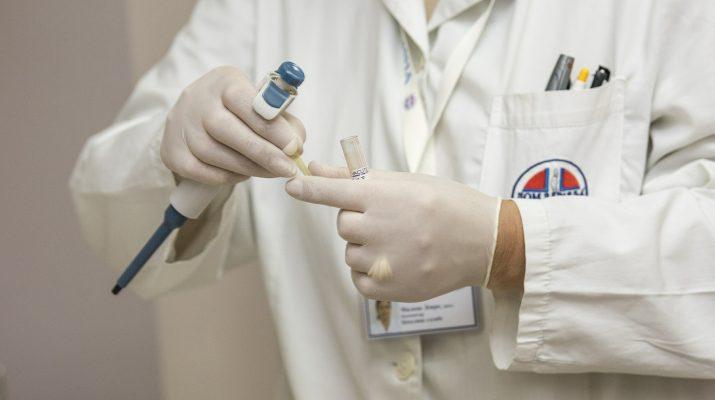 mici e cancro - camice - medico